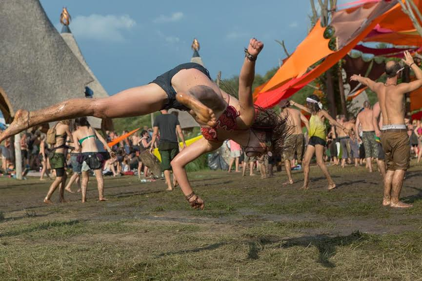16- flying people from ozora