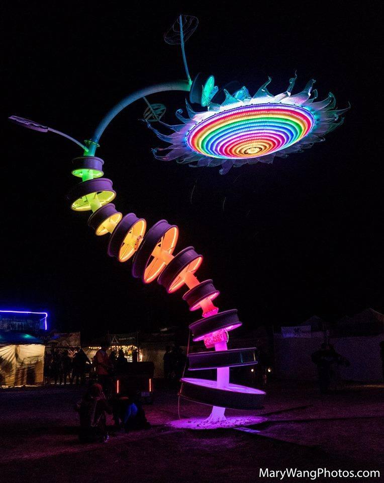 Chad Gaetz' Sunflower art sculpture - beautiful changing light patterns