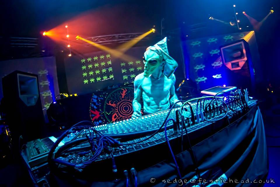 Eat Static live modular synth bonanza