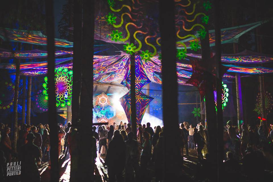 Kosmos Festival 2016 dancefloor at night