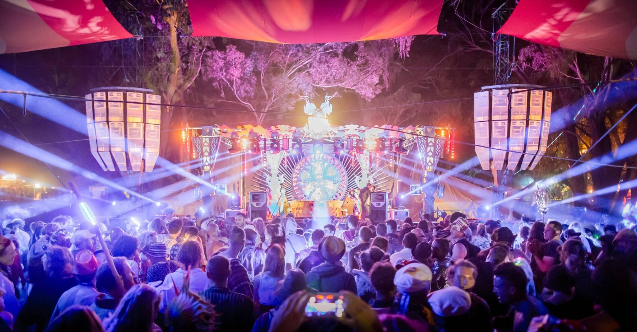 Rainbow Serpent 2015 - dancefloor with lasers
