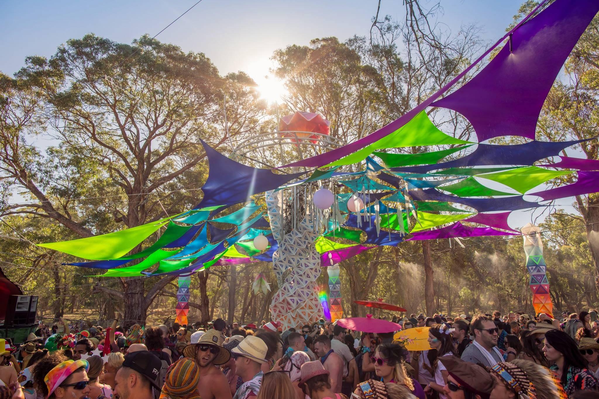 Rainbow Serpent 2015 - dancefloor with sun through deco