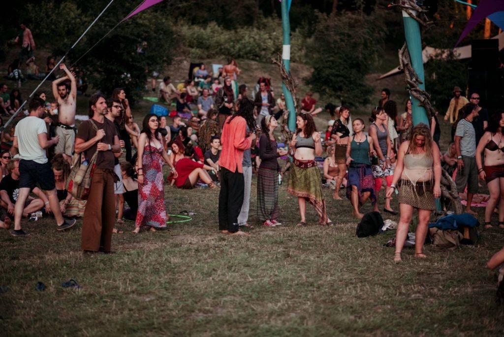 Samsara 2016 people gatherd