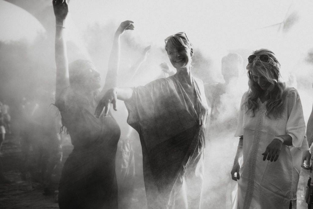 Samsara 2016 black and white
