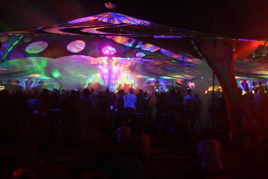 Antaris Project 2016 dancefloor at night