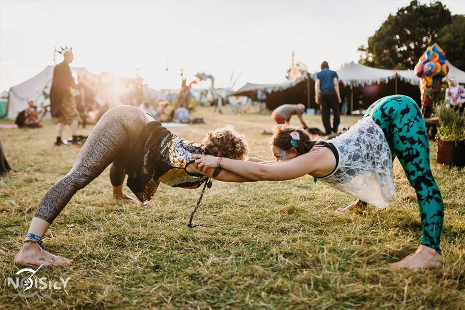 Noisily Festival of Music and Arts acrobations