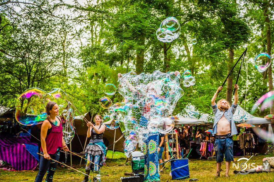 Noisily Festival Of Music and Arts 2016 Bubbles