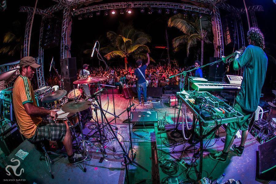 silvio sato 2015 live performance universo Paralello