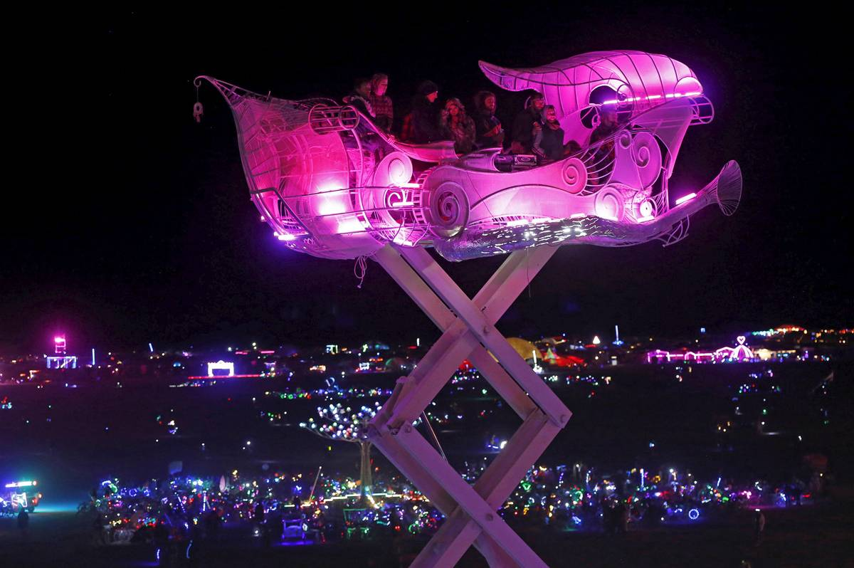 jim-urquhart-reuters-burning-man-2015 Ride through the sky
