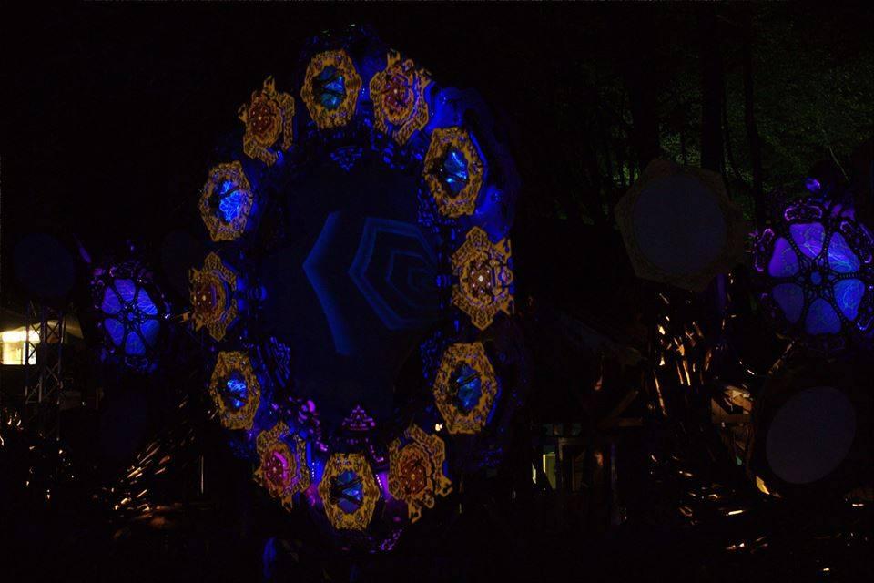 lightworks-collective-modem-festival-2015-1 Deco