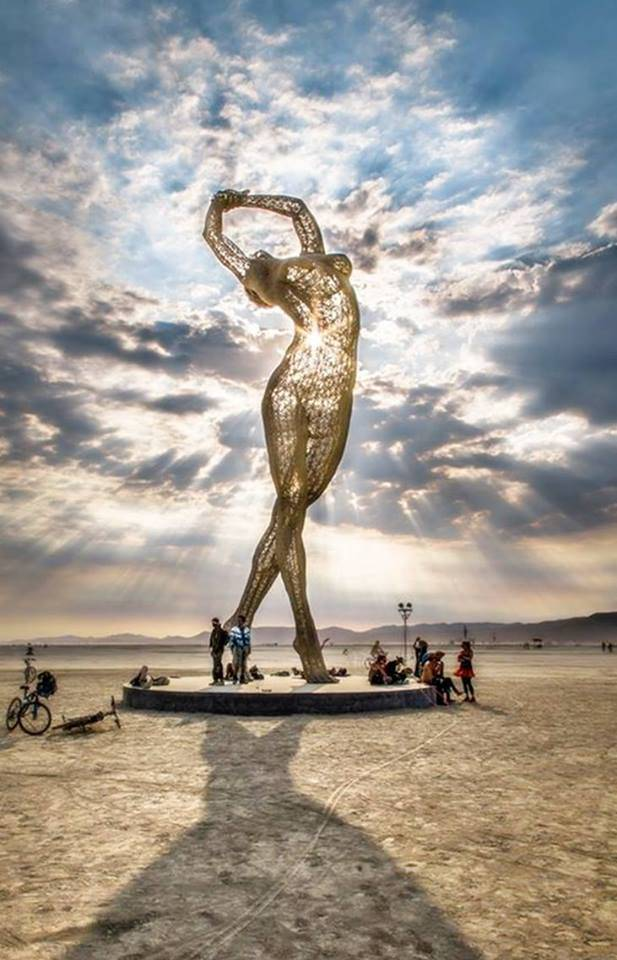 metal-sculpture-truth-is-beauty-created-by-marco-cochrane-2013-ph-lorraine-harlan