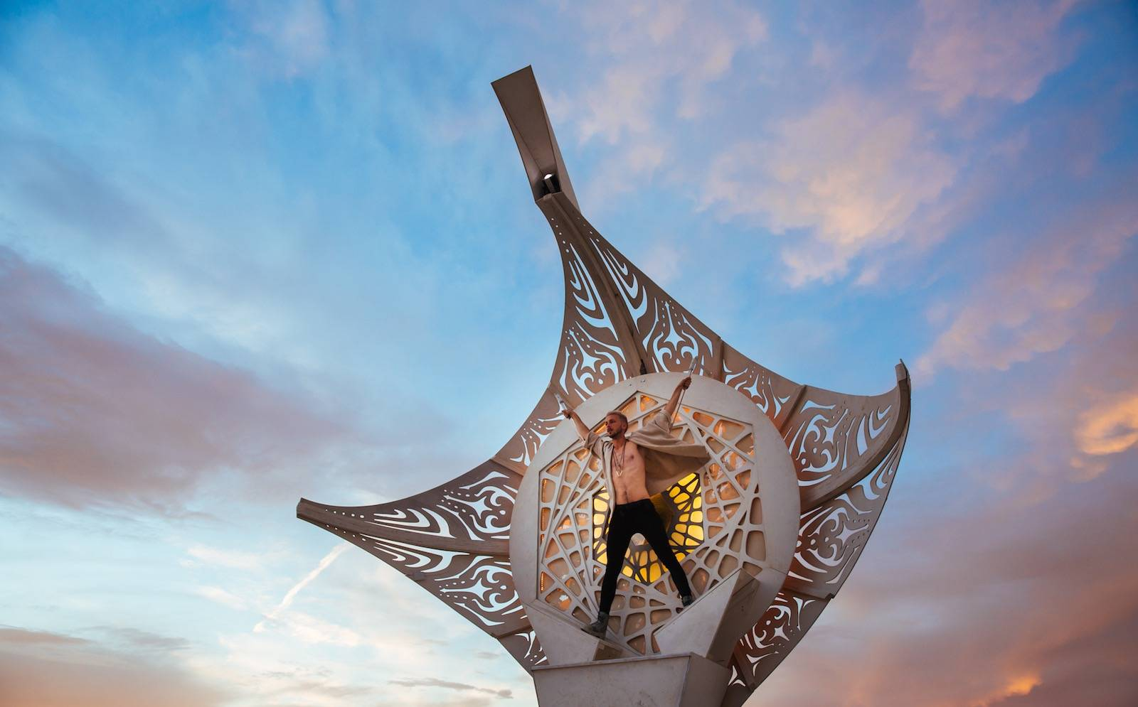 photo-by-galen-oakes on the top at burning man 2016