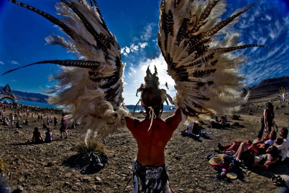 symbiosis-pyramid-eclipse-2012-photographs-by-piotr-wojnarski-2 spreed you wings