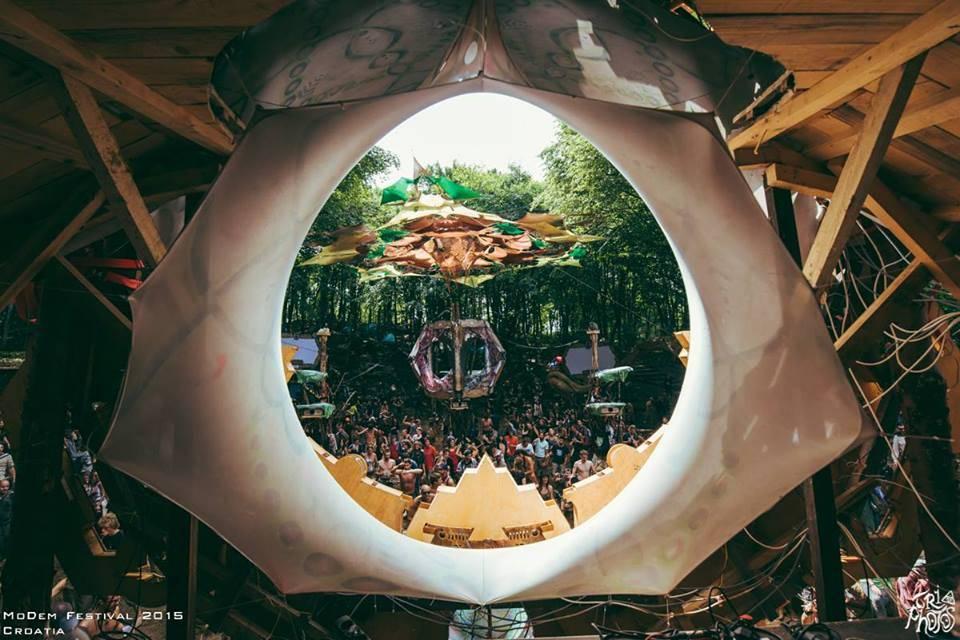 triphotos-digital-modem-festival-2015-2 Dancefloor view