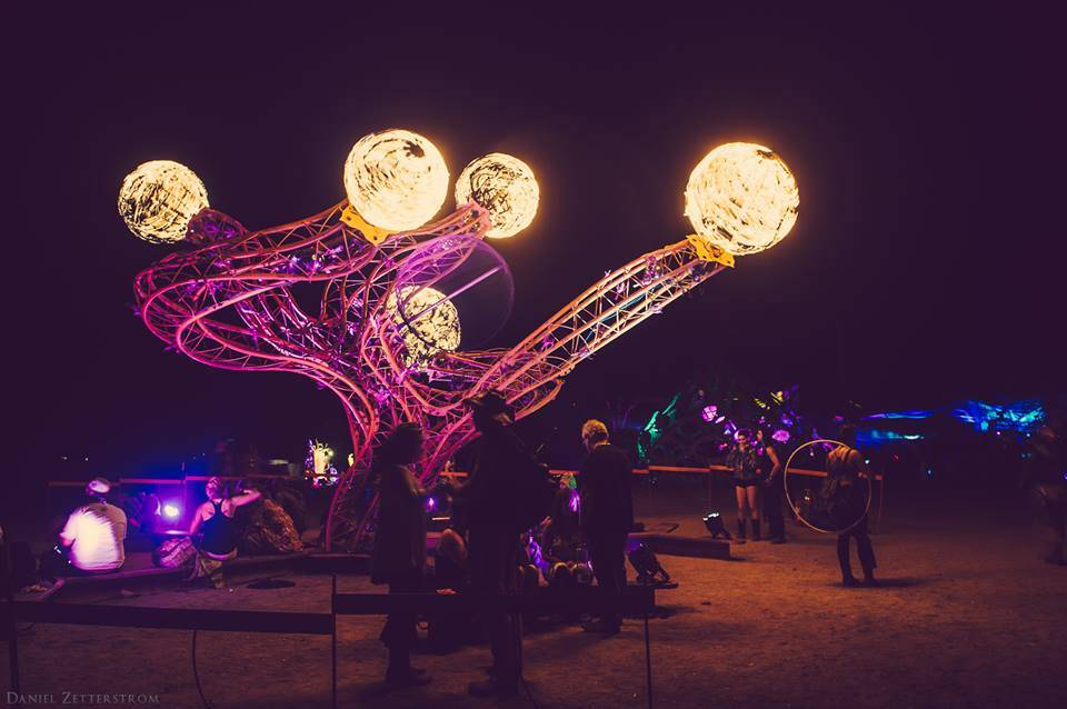 Symbiosis Gathering sculpture Daniel Zetterstrom Photography