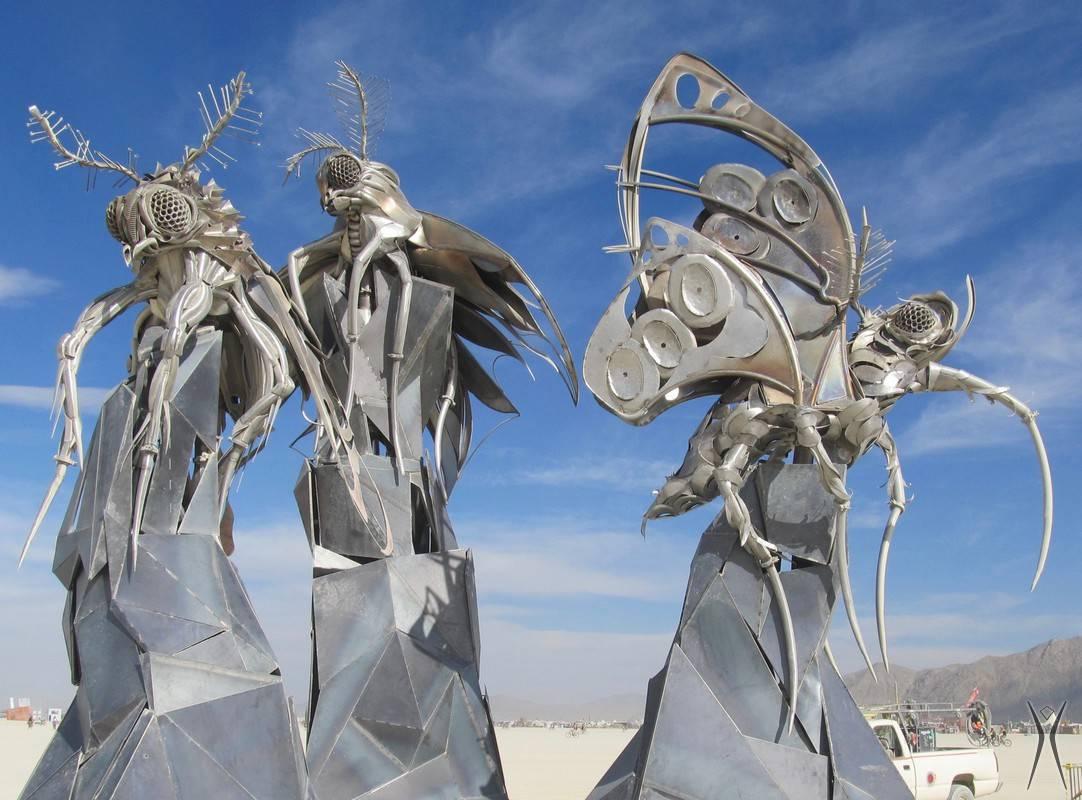 lady-bee-1 burning man 2016 Bug sculpture