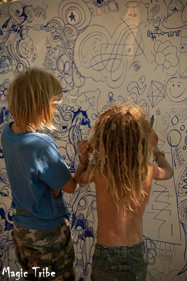 %e0%ab%90-magic-tribe-%e0%ab%90-2013-2 children drawing lost theory festival