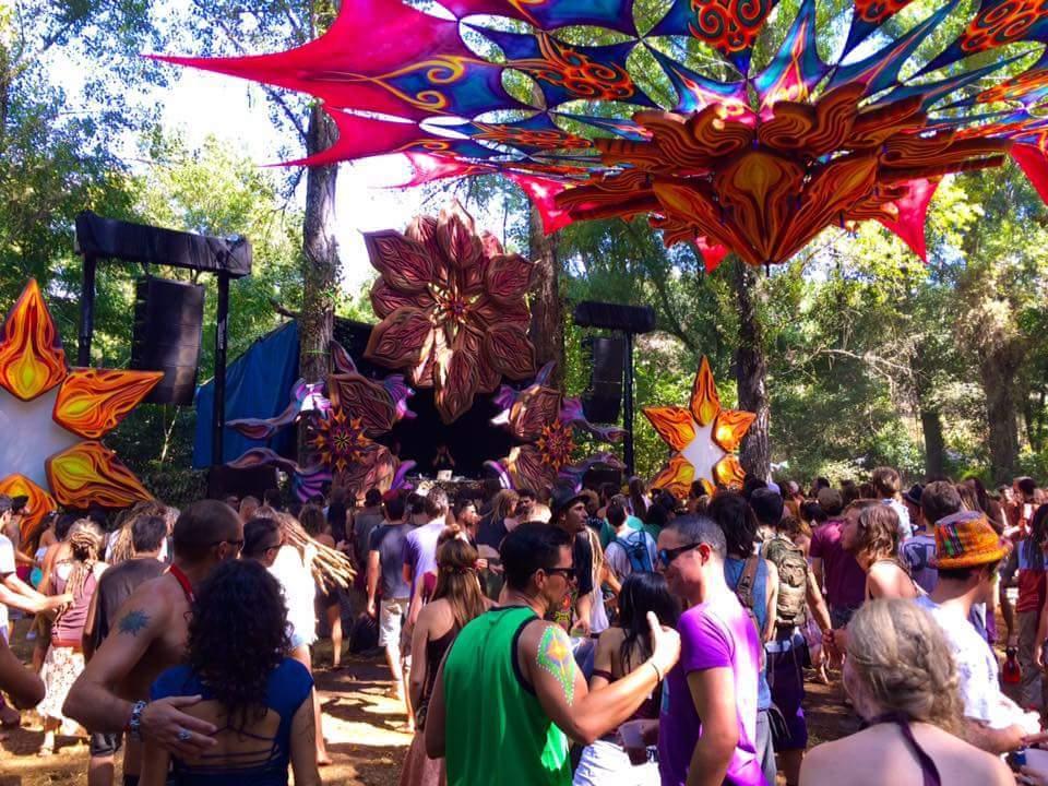dance floor at connection festival 2016 espanhol-soham